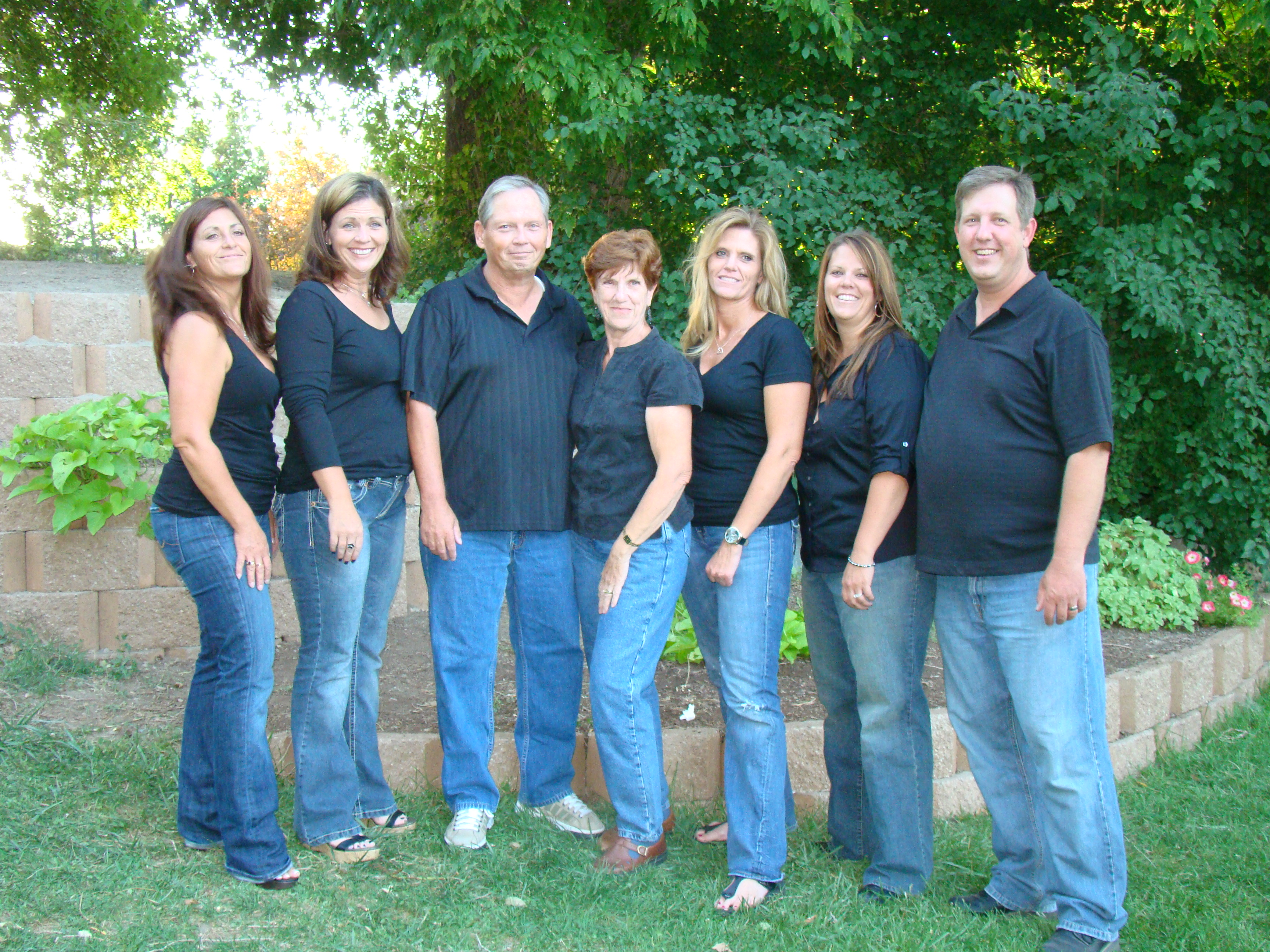 The Sheehan Clan.....Kimberly, Heidi, Kerm, Earlynn, Shelly, Jenny and Troy